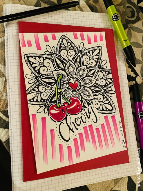 disegno a mano penna e colori mandala